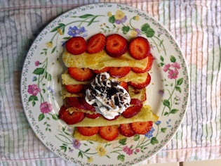 Rice Flour Crepes with Strawberries